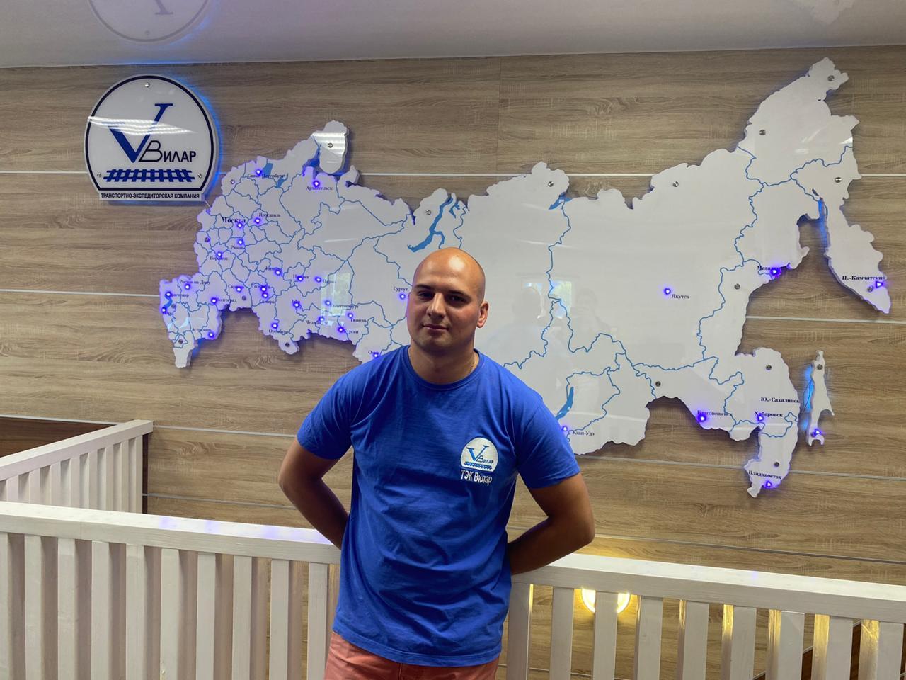 Калинин Вячеслав : Старший менеджер складской логистики